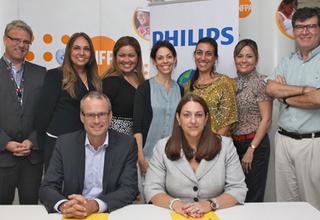 Philips y UNFPA suscribieron un acuerdo para desarrollar actividades a beneficio de futuras madres como jóvenes de la región de Latinoamérica y el Caribe.